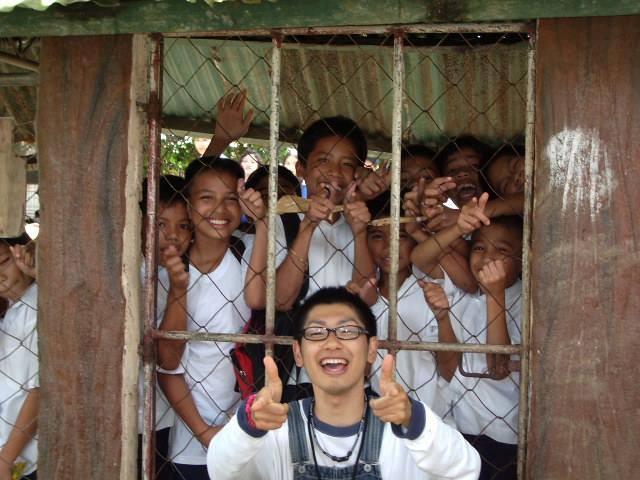 フィリピンでの浦野聖さん