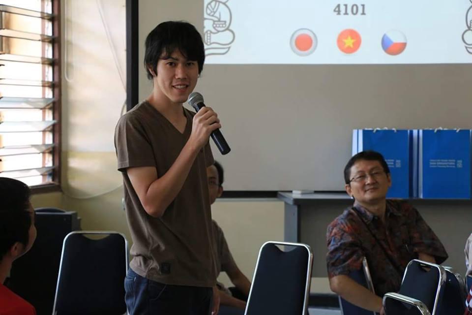 大学院で日本について発表した時の写真