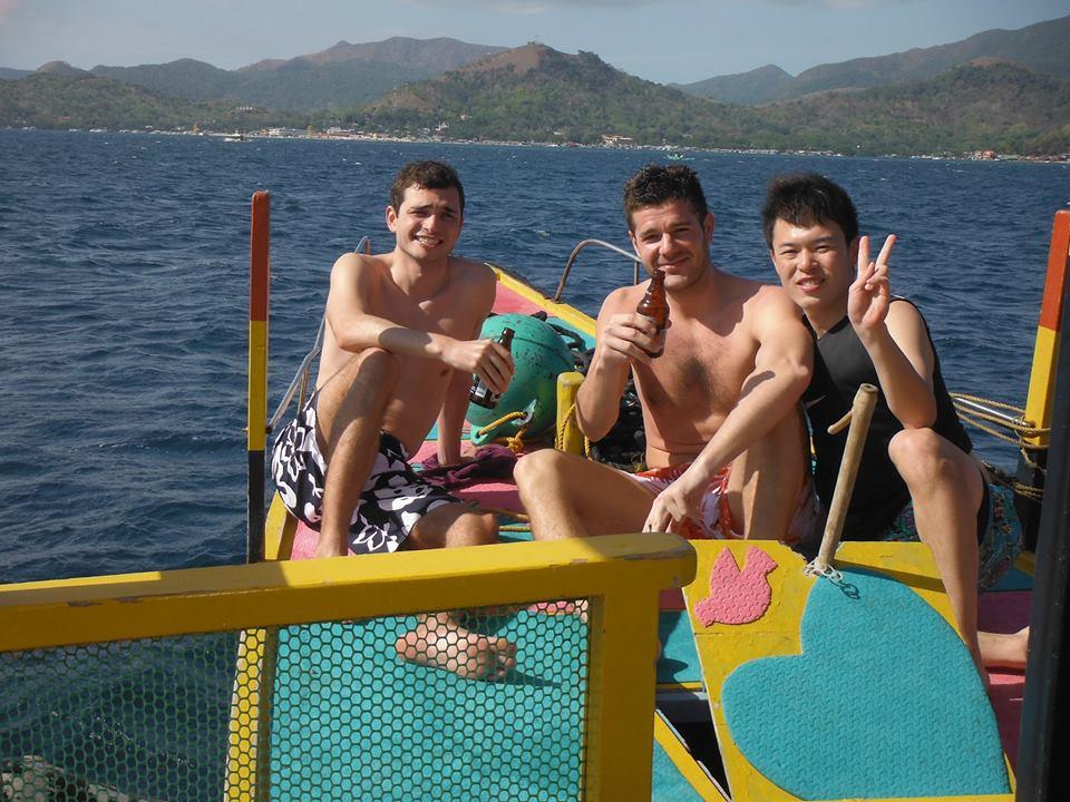 オスロフの海で友達と