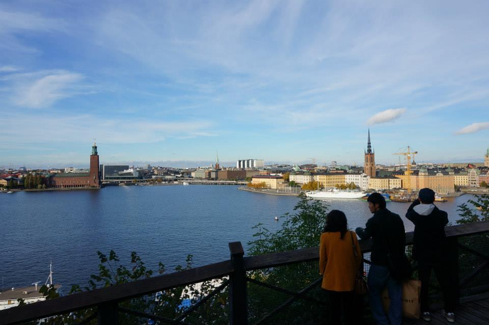 スウェーデンで3番目に大きい湖「メーラレン湖」。写真左側に見えるのがストックホルム市庁舎(しちょうしゃ)