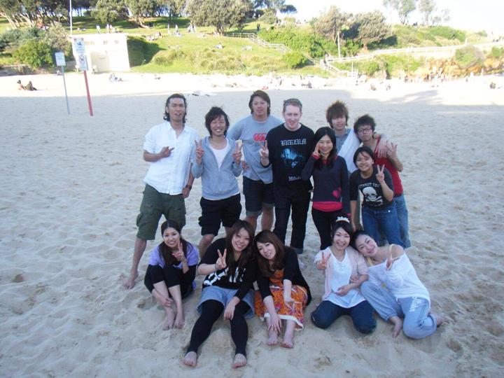語学学校の友達とビーチにて
