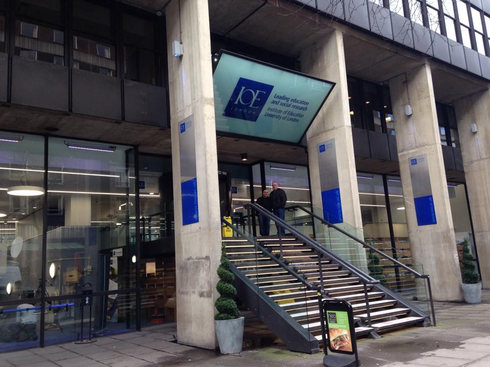 ロンドン大学(UCL)の入り口