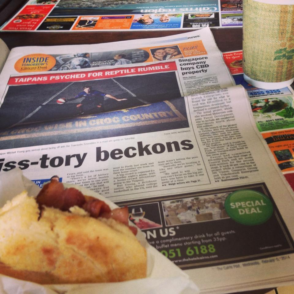 現地で英語を勉強していた新聞。