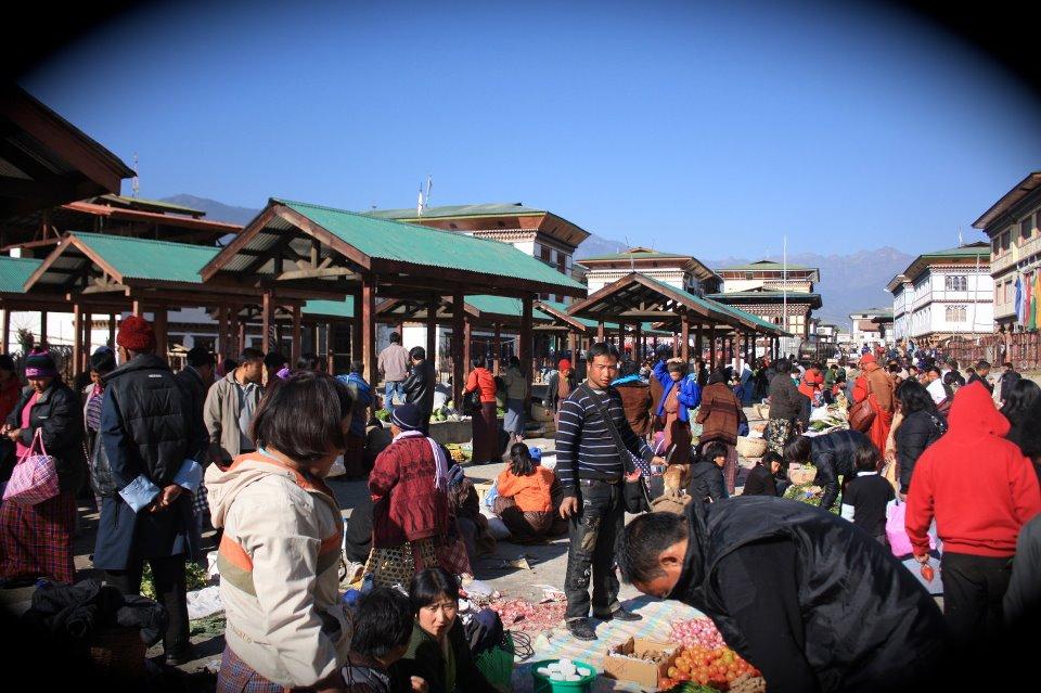 派遣先の街のマーケットの写真