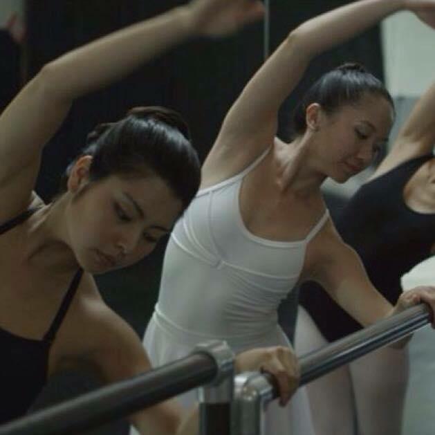 現地で受けていたバレエのレッスン風景