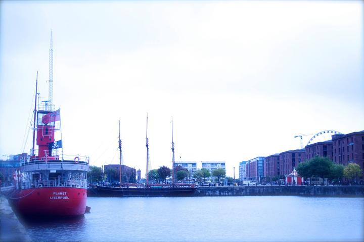 リバプールの港。