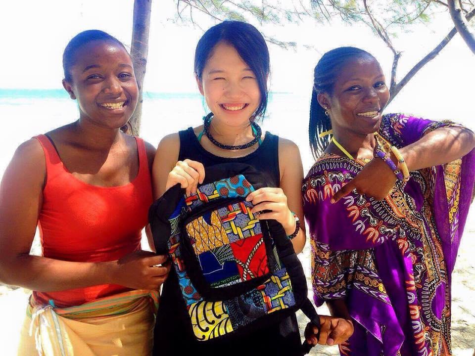 タンザニアで一緒に働いていた現地スタッフと。