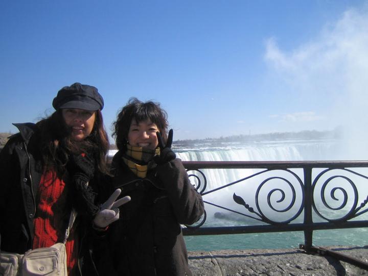 カナダ留学時代にナイアガラの滝にて。