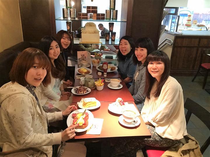 現地で出会った日本人の友人たちと
