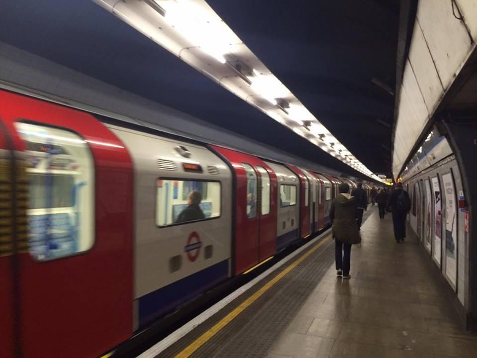 ロンドンの地下鉄「ロンドンチューブ」
