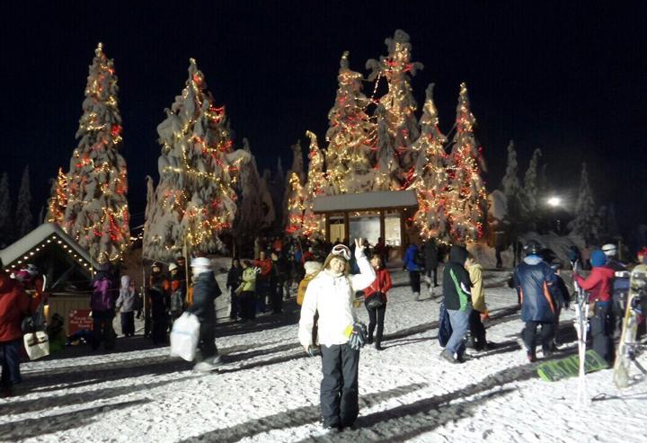 バンクーバーのウィスラーという街にあるスキー場。住んでいた家からバスで40分の場所にスキー場があったそうです。
